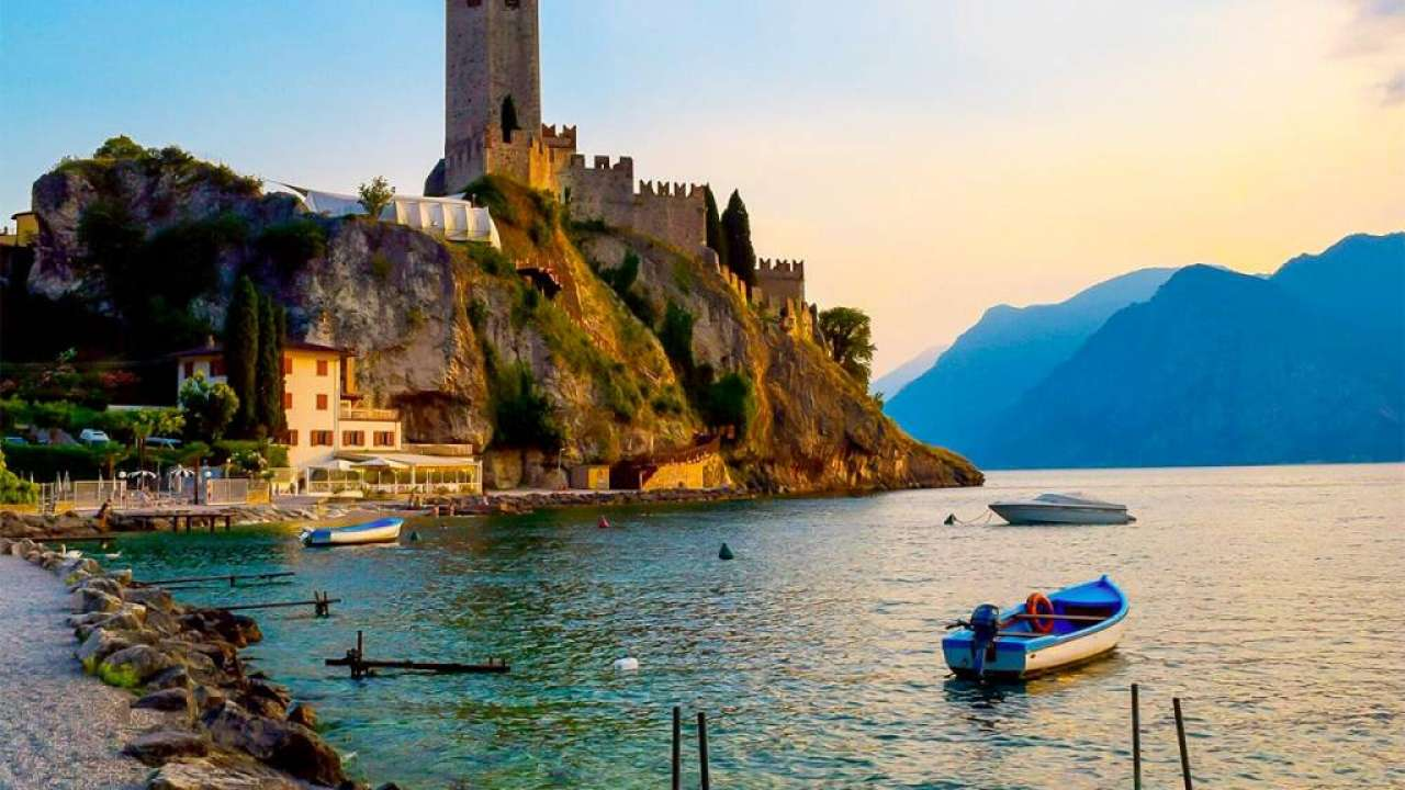 Visit <strong>Malcesine</strong> during your holidays at the Camping